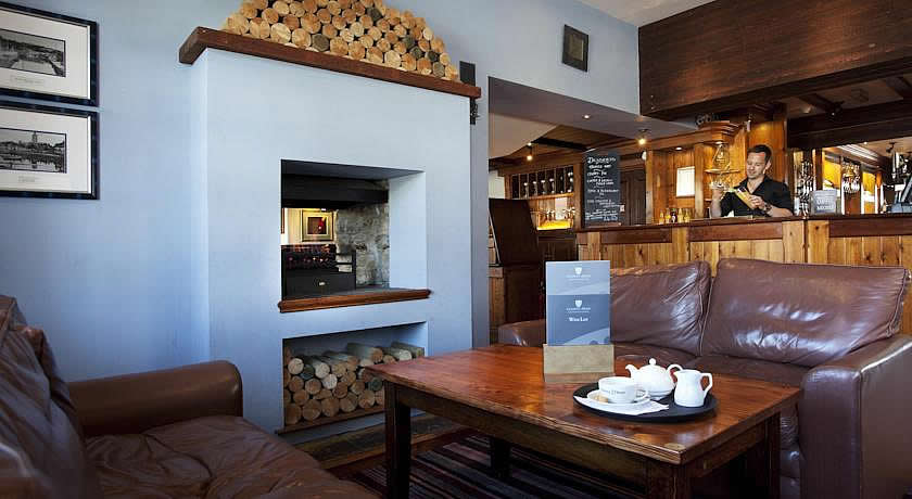 Pubs with Rooms Cornwall - County Arms, Truro