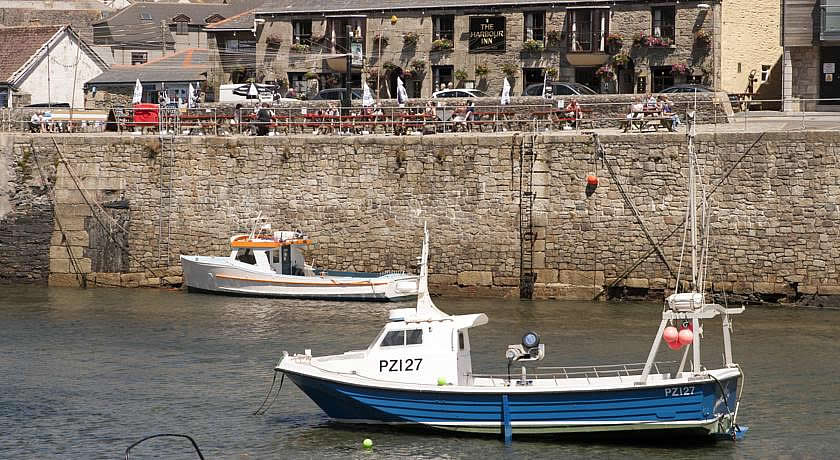 Pubs with Rooms Cornwall - Harbour Inn, Porthleven
