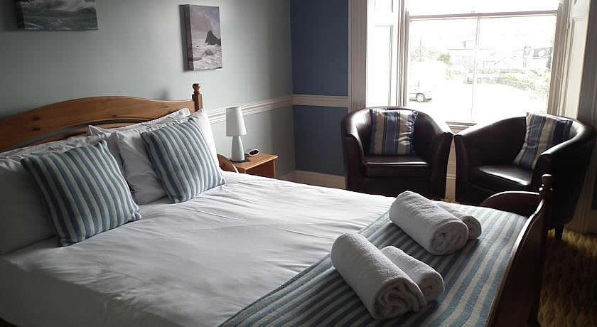 Pubs with Rooms Cornwall - Top House Inn, Lizard