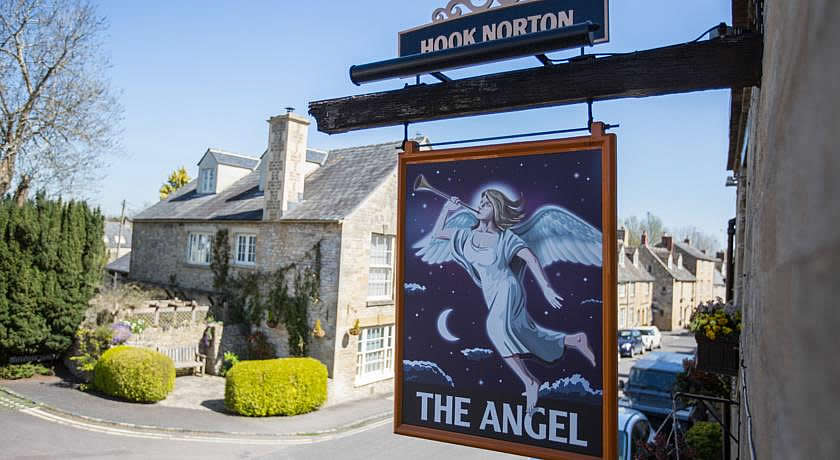 Pubs with Rooms in Cotswolds - The Angel, Burford