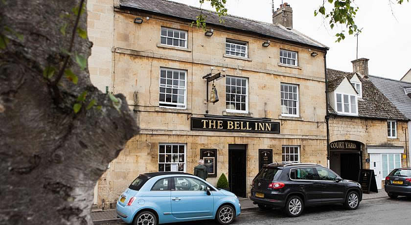 Pubs with Rooms in Cotswolds - The Bell Inn, Moreton in Marsh