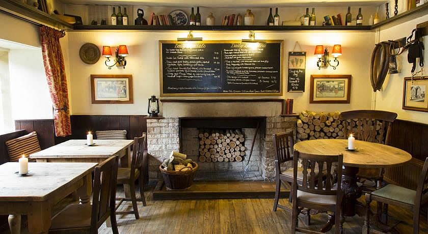 Pubs with Rooms in Cotswolds - The Colesbourne Inn