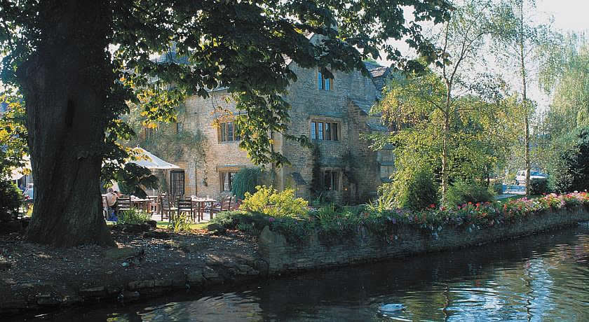 Pubs with Rooms in Cotswolds - The Slaughters Country Inn, Lower Slaughter