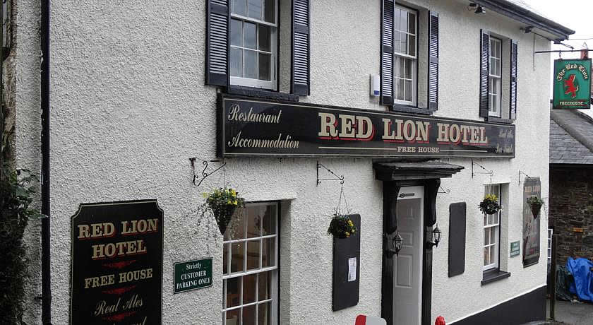 Pubs with Rooms in Devon - The Red Lion Hotel, Oakford