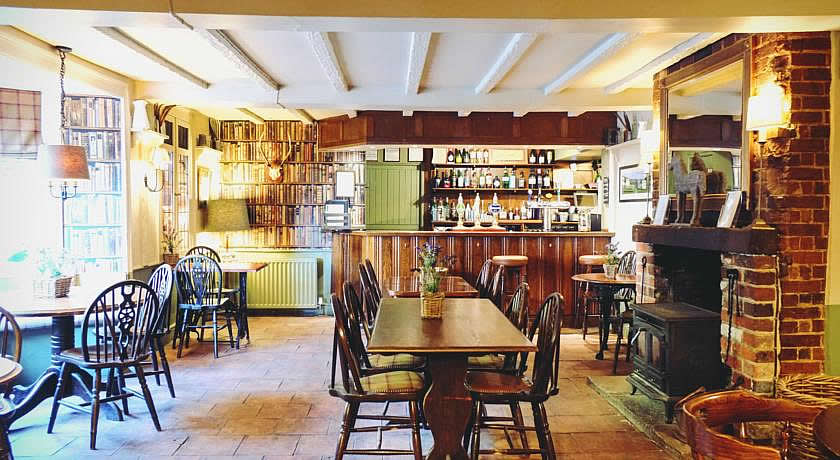 Pubs with Rooms in Dorset - Hambro Arms, Milton Abbas