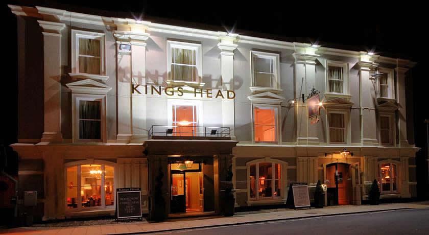 Pubs with Rooms in Dorset - King's Head Hotel, Wimborne Minster