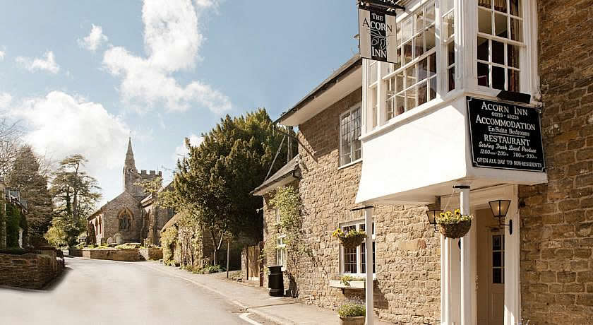 Pubs with Rooms in Dorset - The Acorn Inn, Evershot