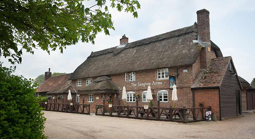 Pubs with Rooms in Dorset - The Langton Arms, Blandford Forum