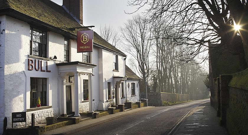 Pubs with Rooms in Kent - The Bull Hotel, Wrotham Village