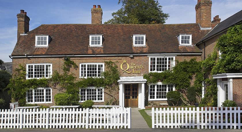 Pubs with Rooms in Kent - The Queen's Inn, Hawkhurst