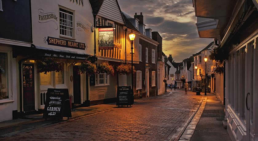 Pubs with Rooms in Kent - The Sun Inn, Faversham