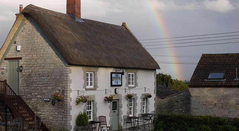 Pubs with Rooms in Somerset - The Kingsdon Inn