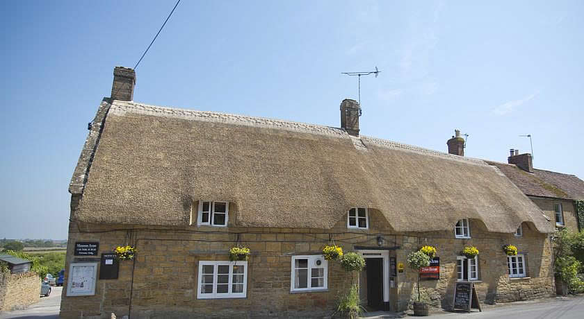 Pubs with Rooms in Somerset - The Masons Arms, Lower Odcombe
