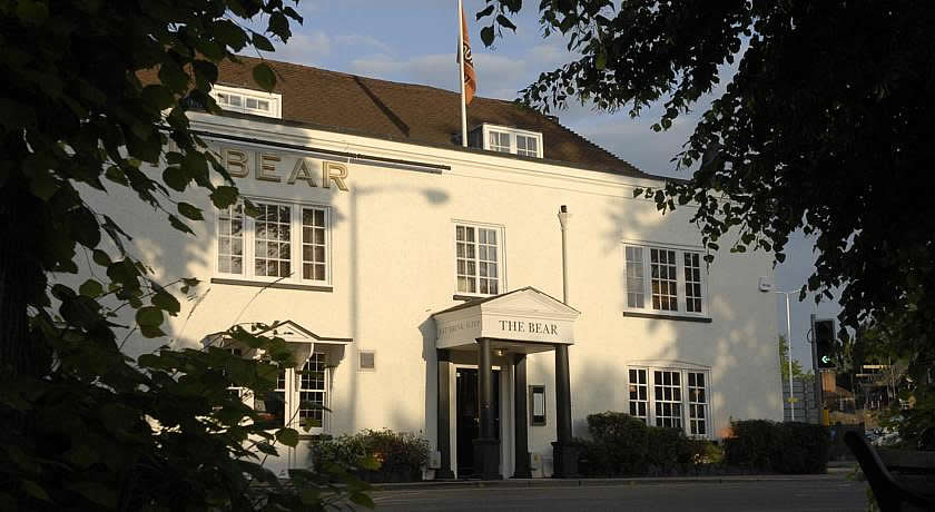 Pubs with Rooms in Surrey - The Bear, Esher