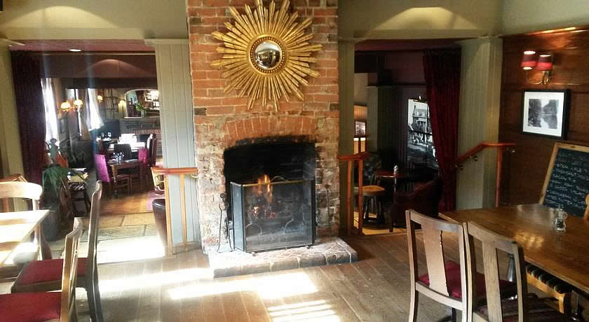 Pubs with Rooms in Surrey - The Drummond, Albury