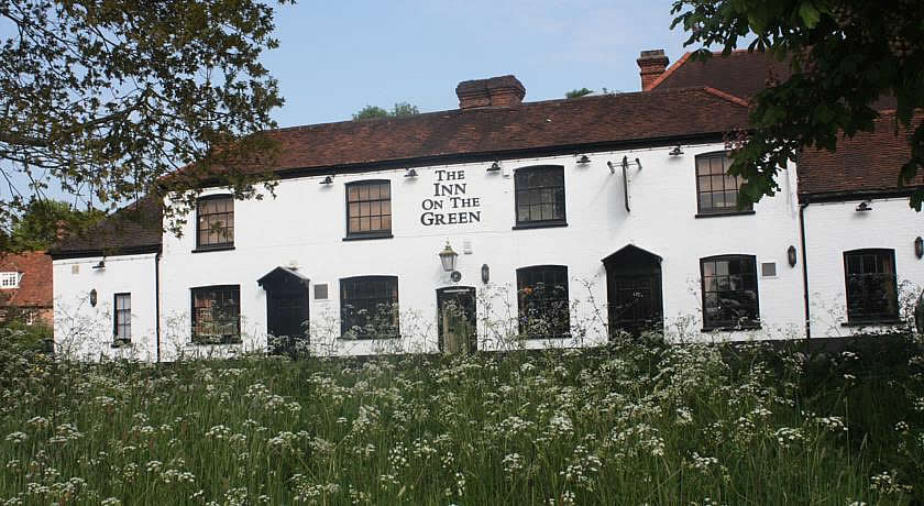 Pubs with Rooms in Surrey - The Inn On The Green, Ockley
