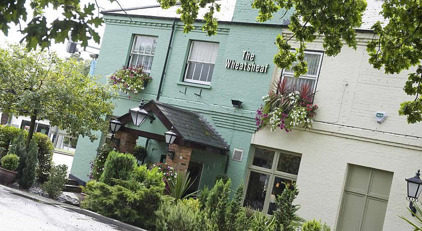 Pubs with Rooms in Surrey - The Wheatsheaf Hotel, Virginia Water