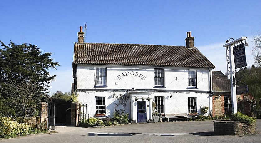 Pubs with Rooms in Sussex - Badgers Inn, Coultershaw Bridge