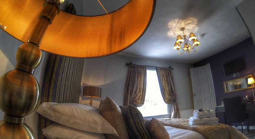 Pubs with Rooms in Derbyshire - The Red Lion, Kniveton