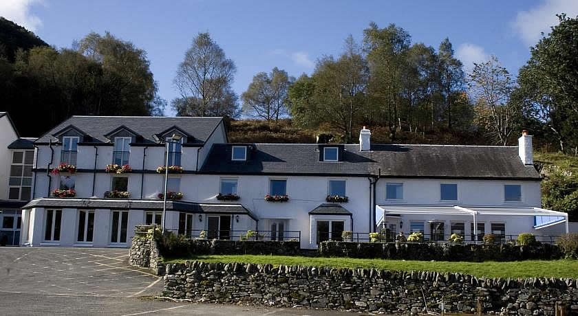 Pubs with Rooms in Scotland - The Inn on Loch Lomond, Inverbeg