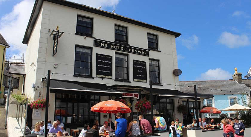 Pubs with Rooms in Wales - Penwig, New Quay
