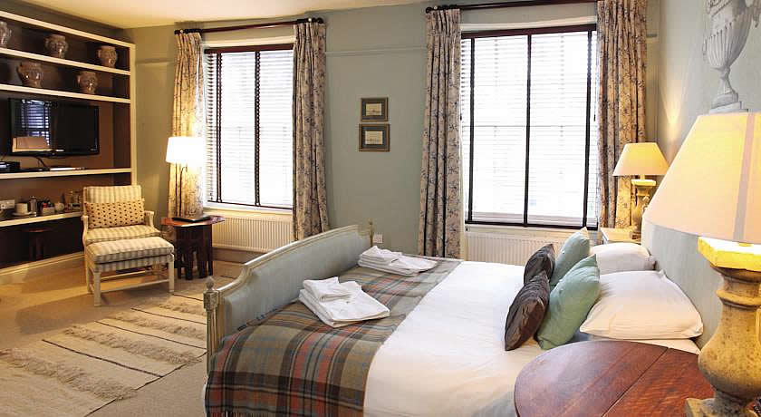 Restaurants with Rooms in Norfolk - The Crown Hotel, Wells next the Sea