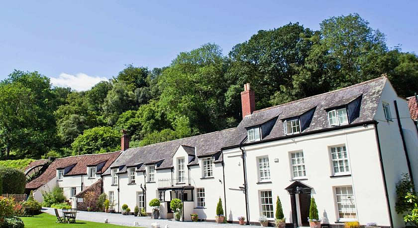Restaurants with Rooms in Somerset - Combe House Hotel, Holford