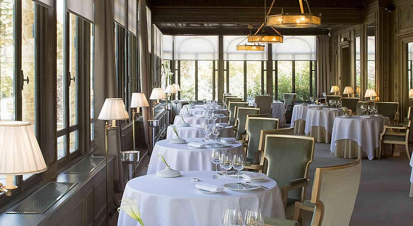 Michelin 3 Star Restaurants in Paris - Alléno