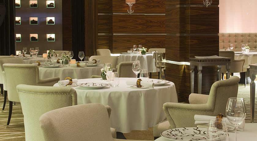 Michelin Star Restaurants - Alyn Williams at The Westbury